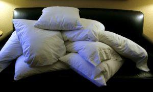 Pile_of_pillows